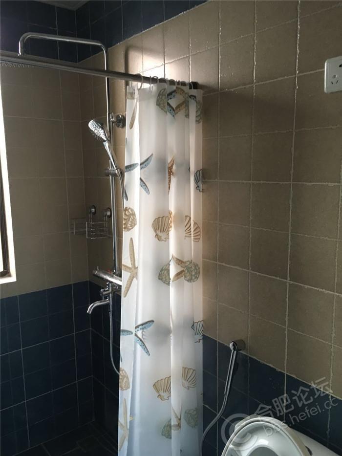 大白安装的浴帘.jpg