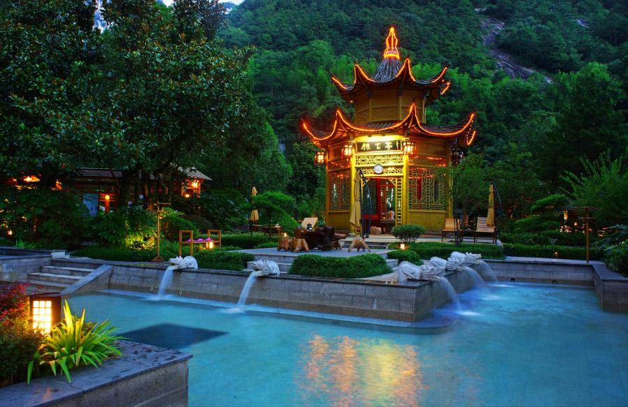 地址: 安徽省黄山风景区内温泉景区 门票: 298元/人 门票: 生态环境