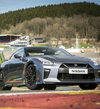 Nissan GT-R ��ֽϵ��