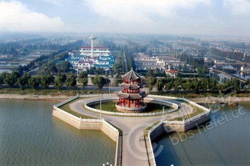 风景区,位于安徽省颍上县南部的八里河镇,南临淮河,东濒颍河,西迄阜阳