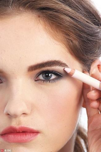 打造眉毛丰盈感其实很简单