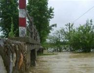庐江一临盆孕妇被困洪水中